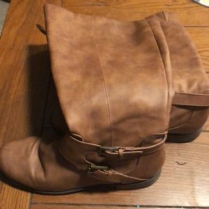 Unlisted boots